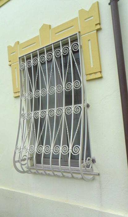 Ziranu salvatore grata in ferro battuto modello gianeel for Grate in ferro battuto immagini