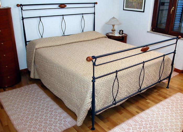 Ziranu salvatore letto in ferro battuto modello occhi di ciliegio - Camera da letto in ciliegio ...