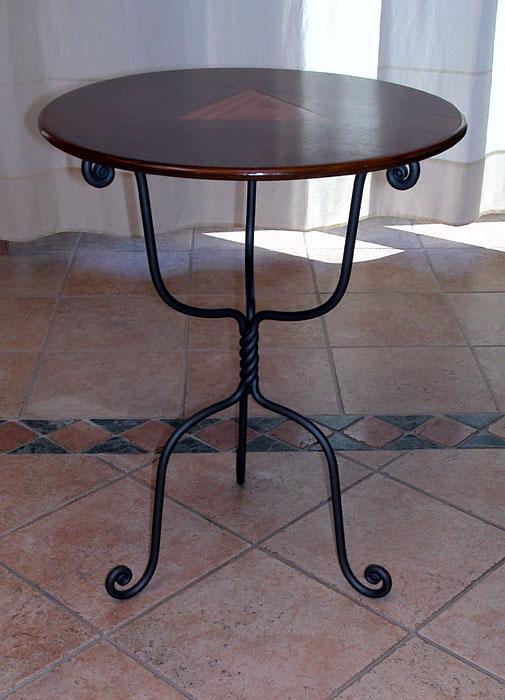 Ziranu Salvatore - Tavolino da salotto modello Tripode in ferro battuto